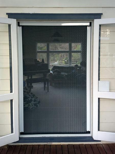 Zanzariere per finestre monza brianza scorrevoli a rullo - Modelli di zanzariere per porte finestre ...