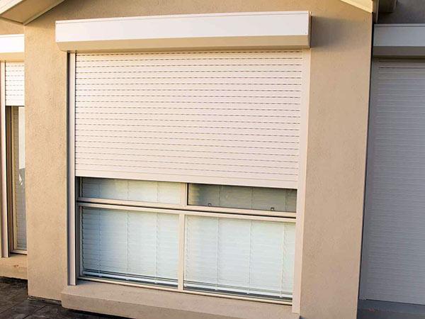 Tapparelle per finestre monza brianza vendita sostituzione avvolgibili prezzi installazione - Serrande avvolgibili per finestre ...