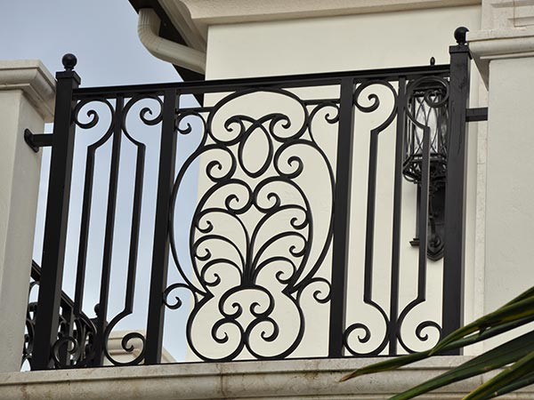 parapetti-metallici-terrazze-installazione-monza-brianza